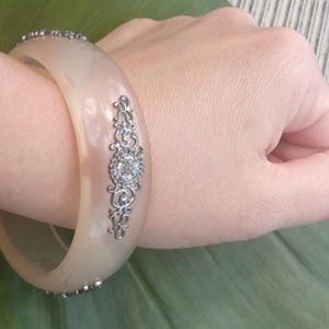 Vintage Lucite Silver Flowers Opaque Bangle